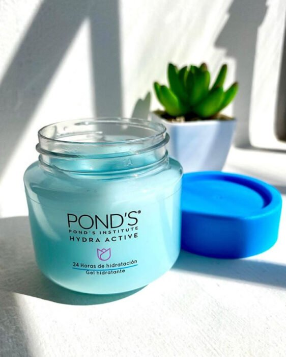 Hydra Active by Pond's