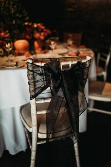 Encaje de moño para decorar sillas