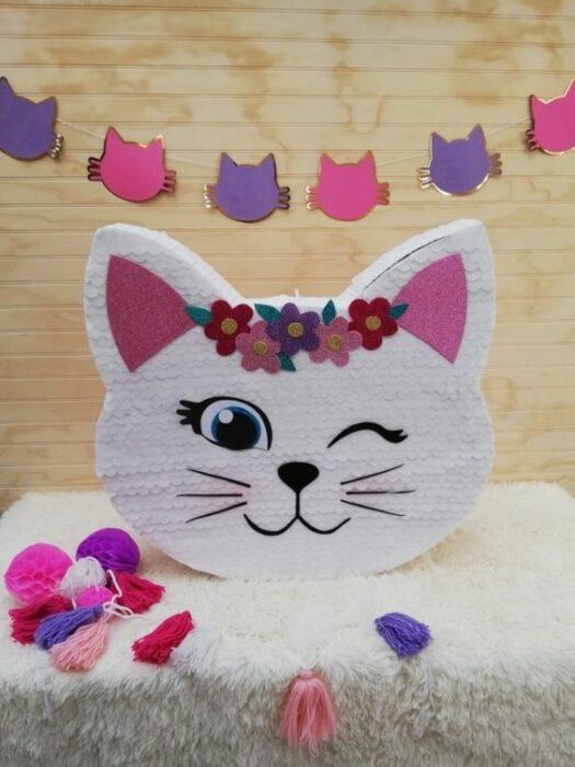 Piñata en forma de gato