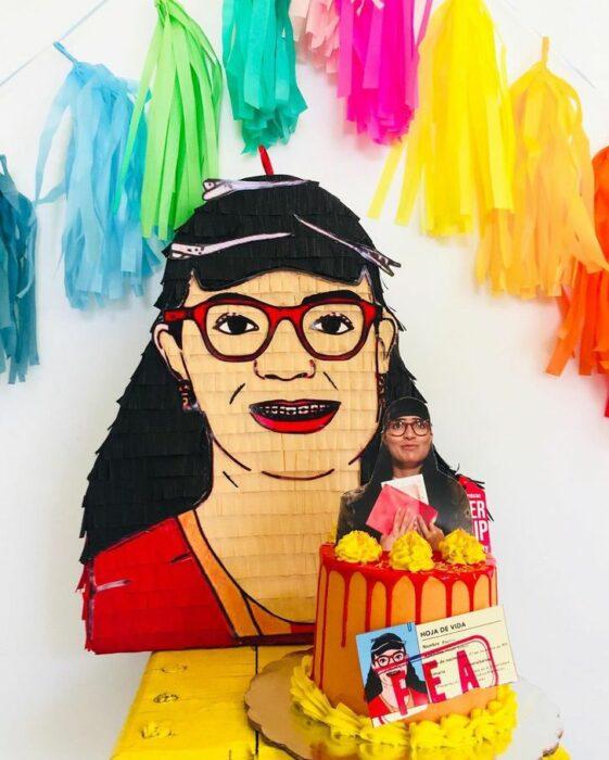 Piñata de Bett la fea