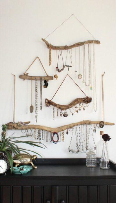 Joyero de pared hecho con ramas