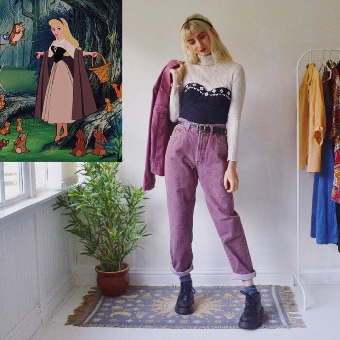 Hermanas gemelas arman atuendos inspirados en películas animadas y caricaturas con ropa vintage; Disney, La bella durmiente, Aurora