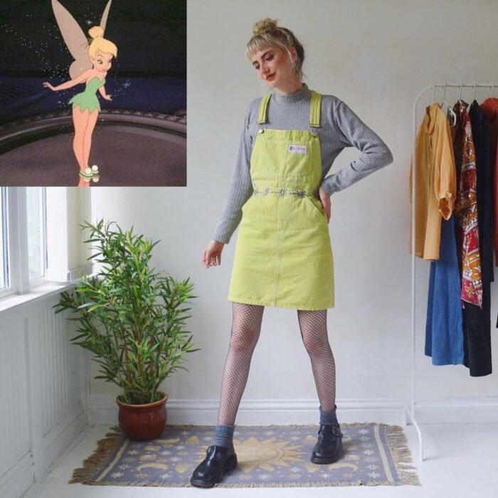 Hermanas gemelas arman atuendos inspirados en películas animadas y caricaturas con ropa vintage; Disney, Peter Pan, Campanita