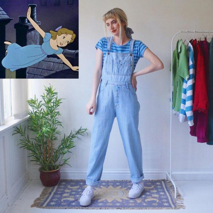 Hermanas gemelas arman atuendos inspirados en películas animadas y caricaturas con ropa vintage; Disney, Peter Pan, Wendy