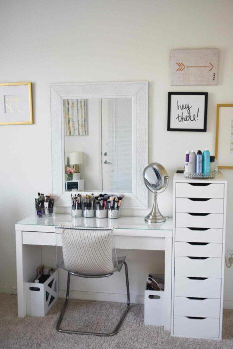 Makeup room en color totalmente blanco