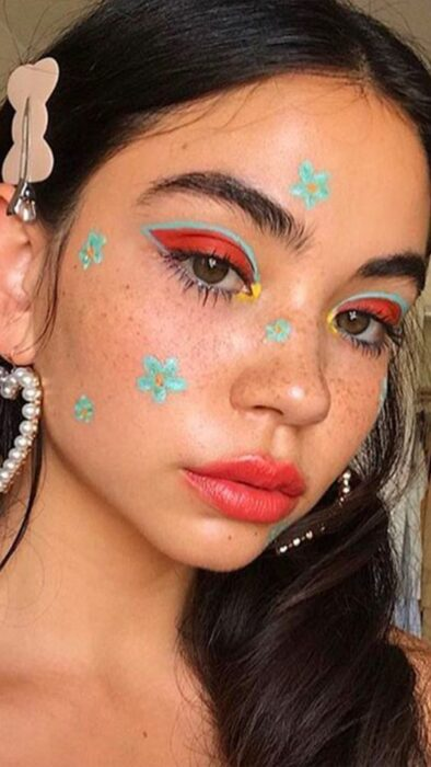 Creative makeup with mint and pink color