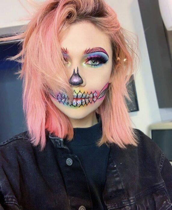 Maquillaje de calavera en colores pastel