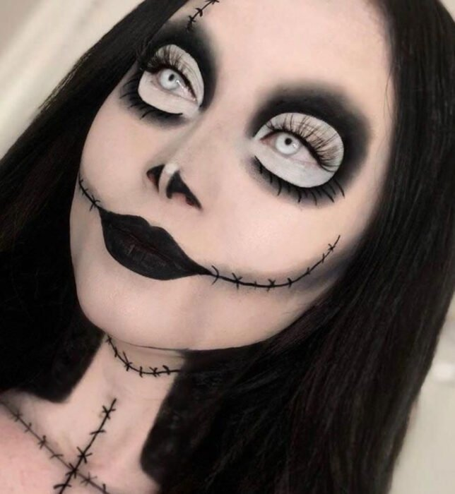 Simple and creative makeup for Halloween; voodoo doll