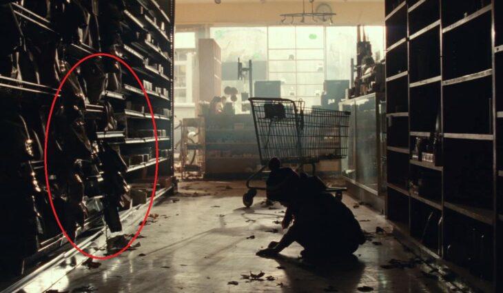 Escena en la farmacia de la película Un lugar en el silencio