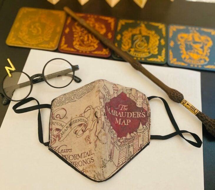 Cubrebocas térmico inspirado en el mapa de lso merodeadores de Harry Potter
