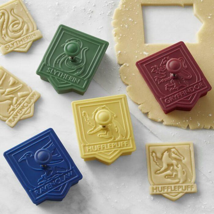 Cortador de galletas inspirado en los escudos de las casas de Harry Potter