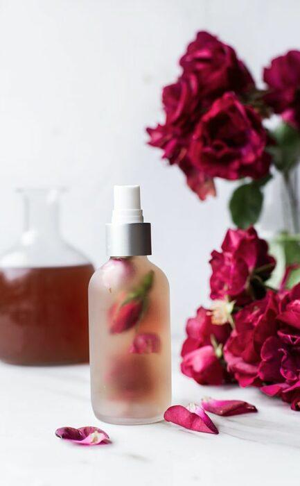 Rose water to remove armpits; Natural medicine