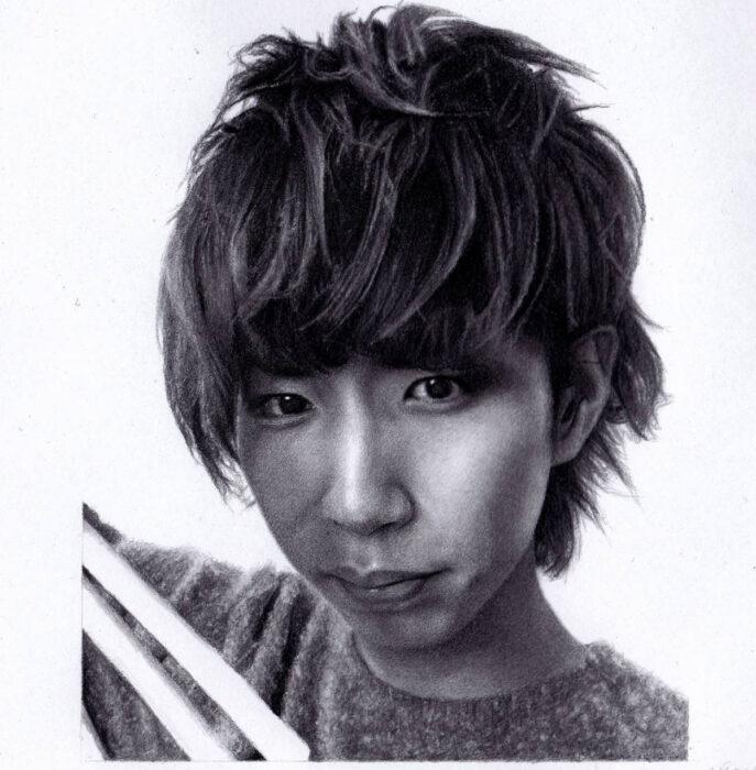 Artista Shaun Mckenzie pinta retratos realistas con lápices de colores; youtuber Hajimesyacho