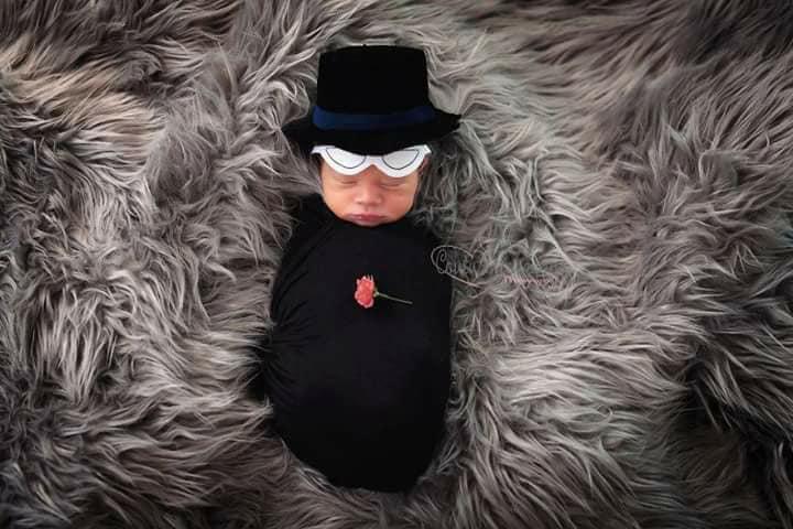 Bebé disfrazado como Tuxedo Mask sesión de fotos