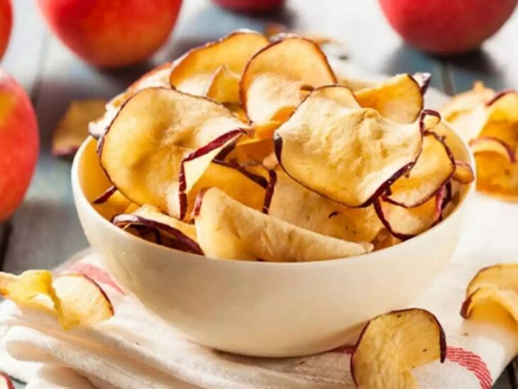 Chips de manzana al horno; snacks con los que no romperás la dieta