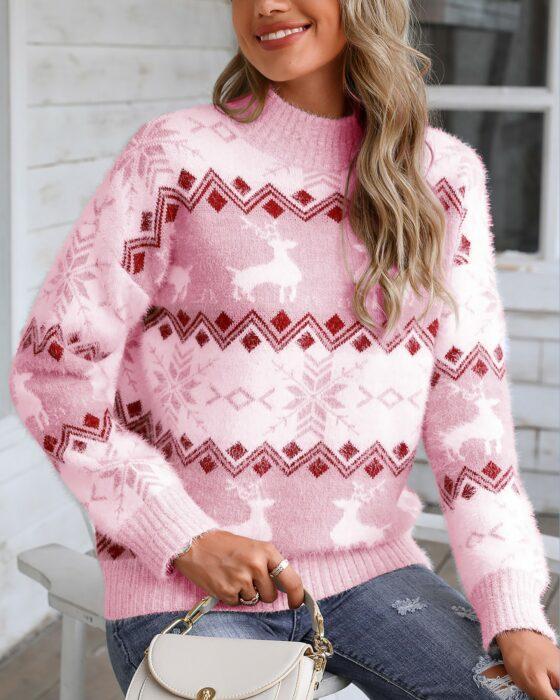 Chica con suéter navideño en color rosa de estilo vintage
