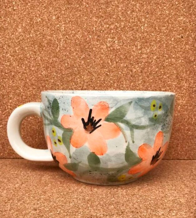 Taza para tomar el té, pintado tipo acuarela de flores