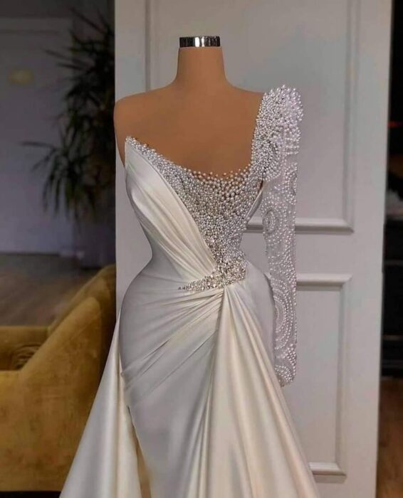 Different and spectacular wedding dresses