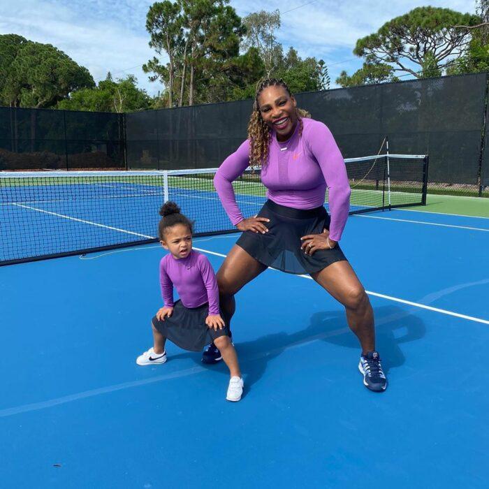 Serena Williams jugando Tenis junto a su hija Olympia