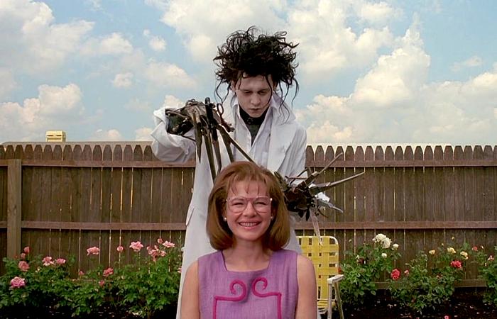 Escena de la película Edward Scissorhands con Johnny Depp
