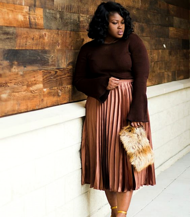 Chinese hair brunette curvy girl in long sleeve brown top, brown plank maxi skirt and beige tote bag