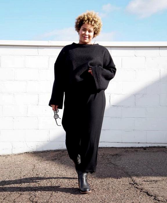16 Looks elegantes y modernos en negro para chicas curvy