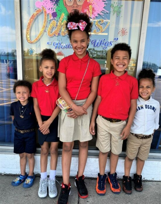 Robert Jr., Giovani, Kiontae, Marionna y Makayla de paseo