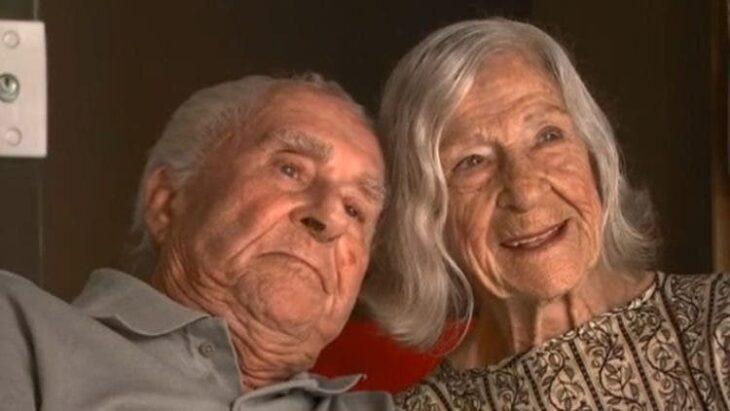 Macerlino y Branca posando para la fotografía y felices