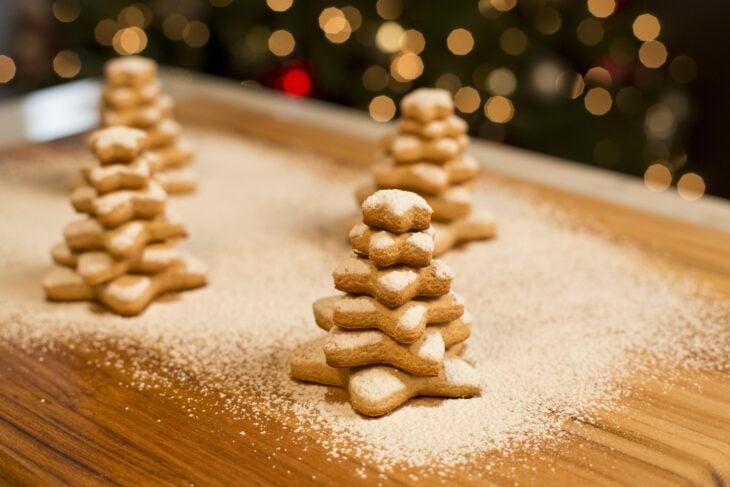 Galletas de árbol navideño, sabor mantequilla; recetas de galletas y cupcakes navideños
