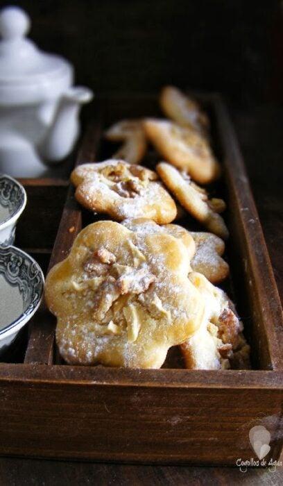 Galletas de manqteuilla con manzana y nuez; recetas de galletas y cupcakes navideños