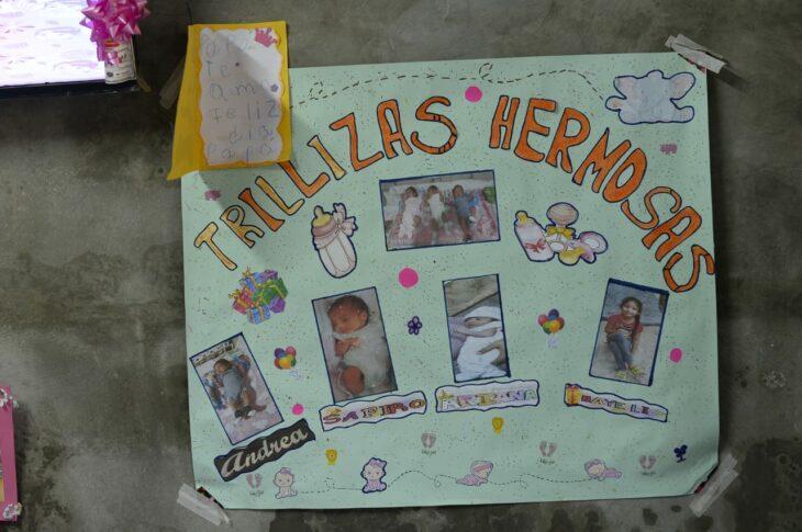 Pancarta con las fotos de las hijas de Hugo y Erika