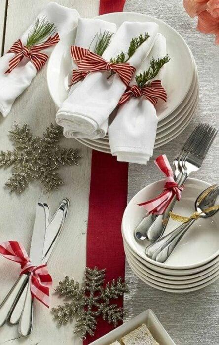 Vajilla de porcelana para la cena de fiestas decembrinas