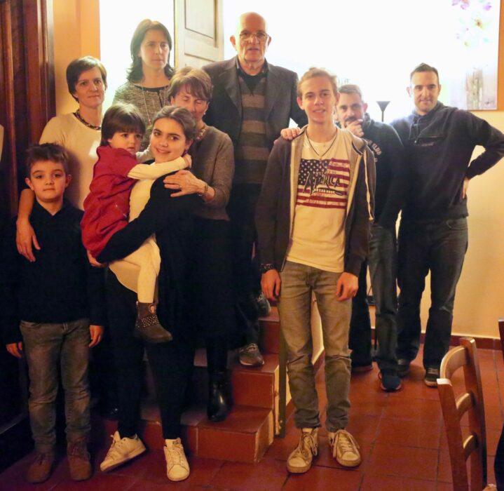 Familia de Gianni Bernardinello posando para una foto