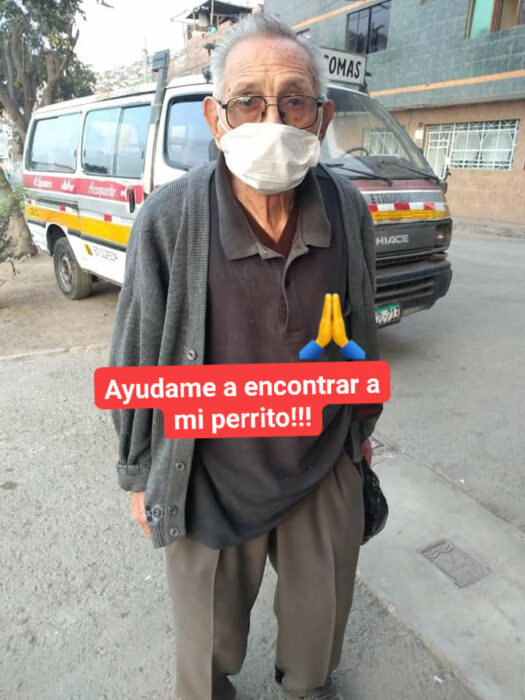 Agustin Ramos, de 84 años, recorriendo las calles de Perú en busca de su perro