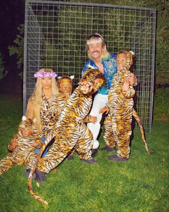 Kim Kardashian disfrazada como Carole Baskin de Joe Exotic And Tigers
