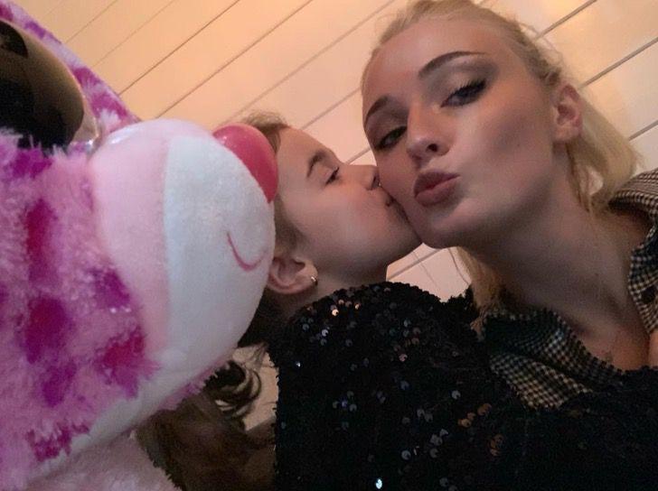 Sophie Turner junto a la sobrina de Joe Jonas, Valentina