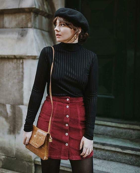 Girl with black high-neck shirt and red corduroy miniskirt; Ideas for wearing a turtleneck shirt