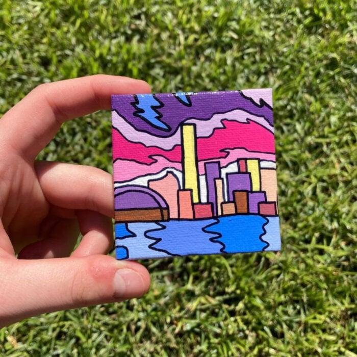 Minipintura en lienzo pequeño al óleo de ciudad colorida