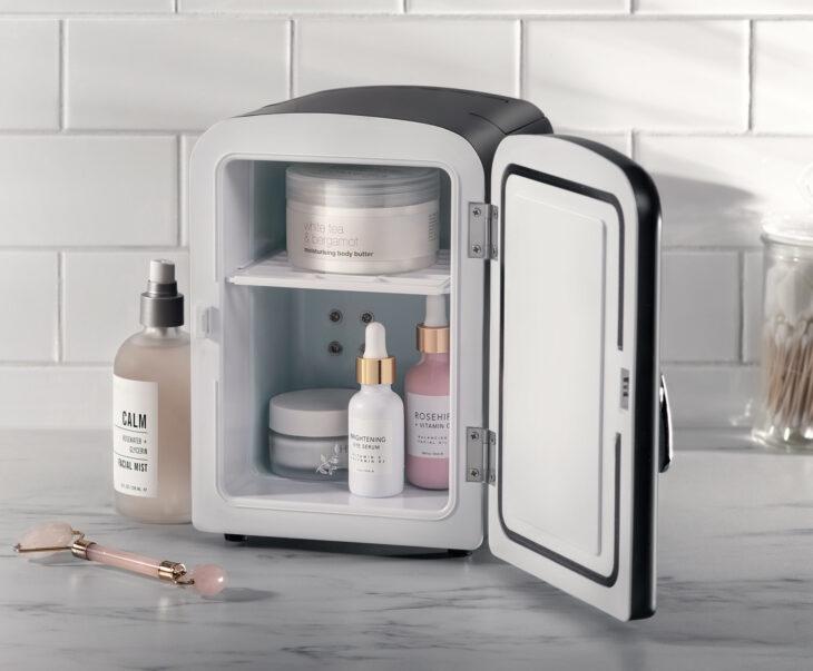 Mini refrigerador para productos de skin care