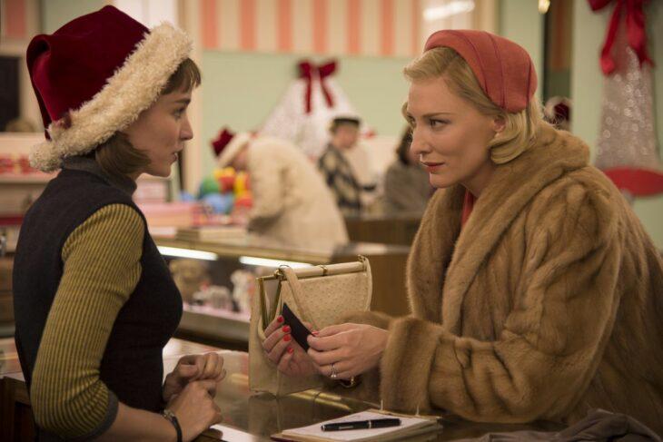 Escena de la película Carol; Películas perfectas para quienes odian la Navidad