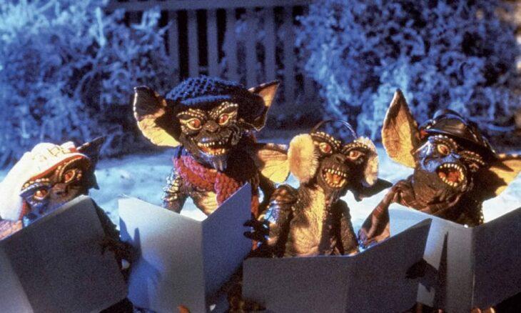Escena de la película Gremlins; Películas perfectas para quienes odian la Navidad