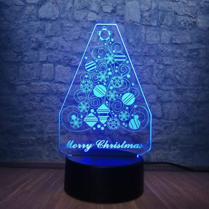 Decoración de árbol de Navidad colocado en un soporte con luz