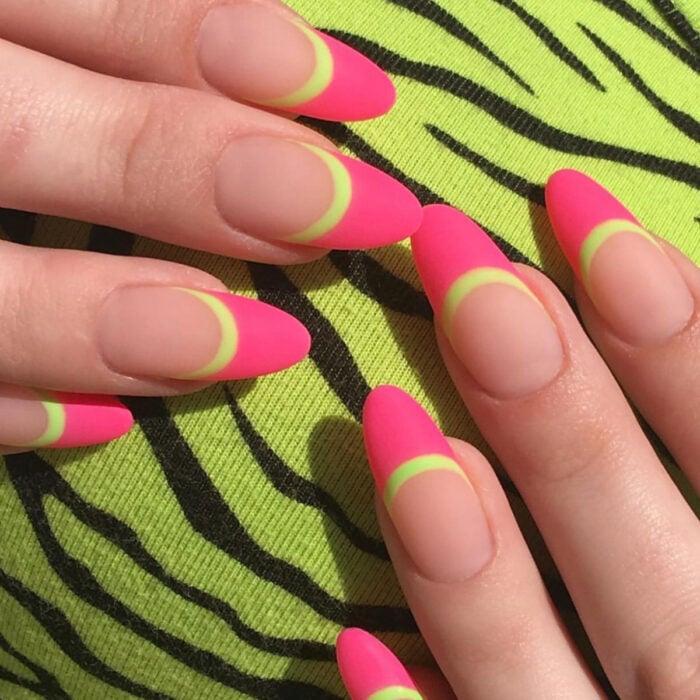 Diseños bonitos de manicura coloridos;