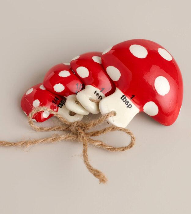 Utensilios bonitos y kawaii de cocina; cucharas medidoras de cerámica en forma de hongos