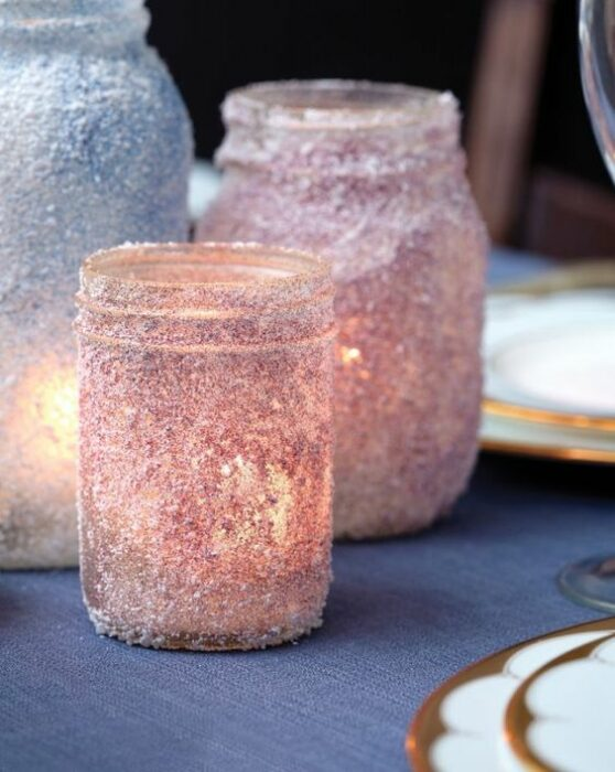 Velas em frascos de colores con glitters; Tutoriales para hacer tus propias velas aromáticas