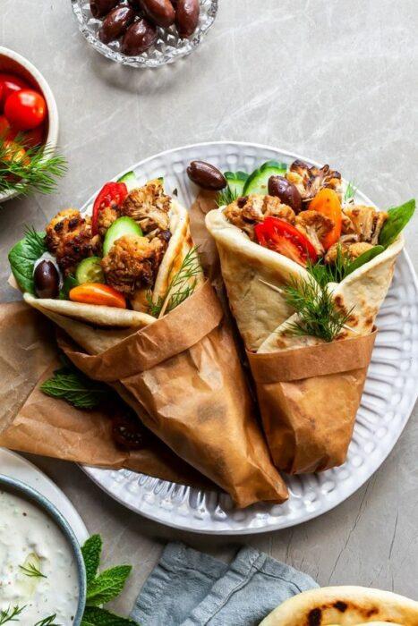 Conos de pan pita rellenos de verduras y pollo; 13 Sitios con deliciosas rectas para cocinar como una chef experta
