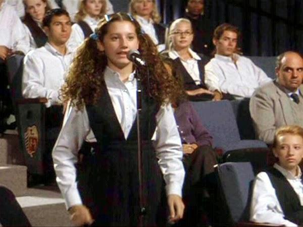 Ashley Tisdale en Donnie Darko; 15 Famosos que aparecieron en series y películas y nadie recuerda