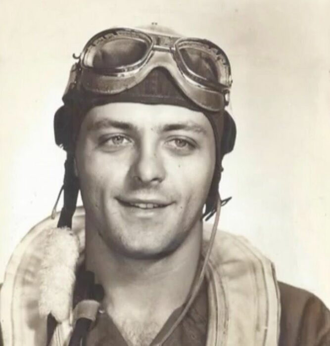 Andrew Slavonic en la fuerza aérea