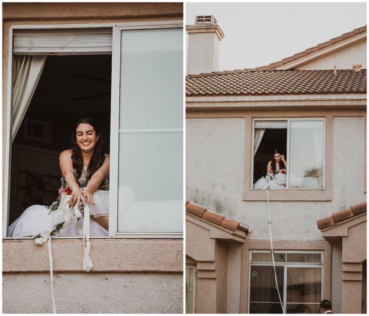 Novia a través del balcón realizando su boda