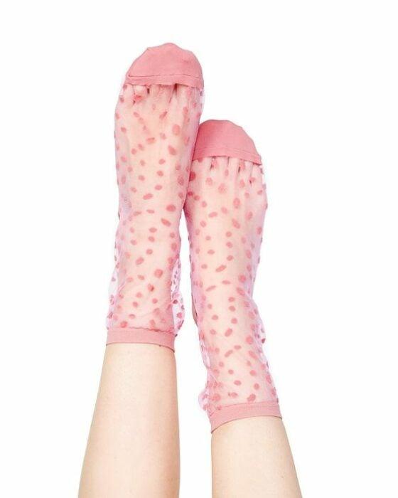 Calcetas bonitas con transparencia y lunares color rosa bebé